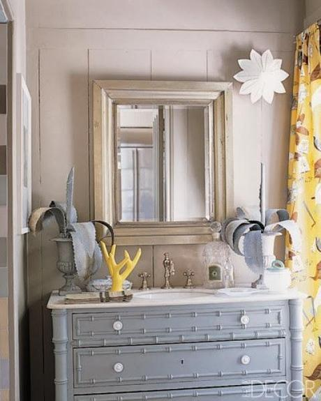 Inspiration: Using color in the bathroom