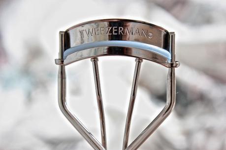 Tweezerman Deluxe Eyelash Curler Review - Paperblog