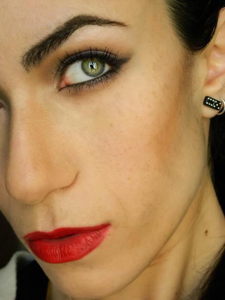 Wearable Version Of Angelina Jolie's Maleficent Makeup Tutorial