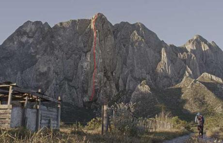 Alex Honnold  Climbs 500m Rock Wall Without Any Gear