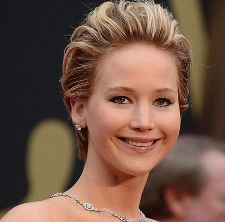 Jennifer Lawrence hair is red carpet ready with Goldwell