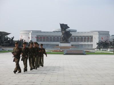 victory statue pyongyang