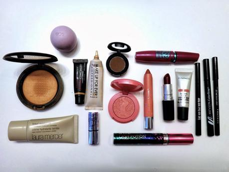 What's in My Travel Make-Up Bag? | March 2014
