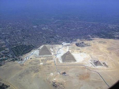 foto aerea piramide di giza
