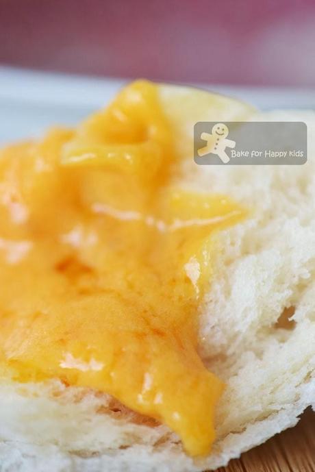 liu sha bao custard steamed buns