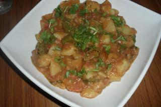Spicy Potatoes (chatpatay aaloo)