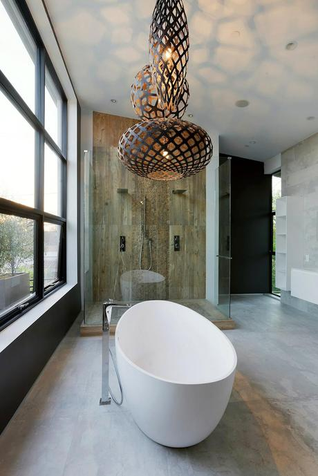 Spacious tub  Artful Display of Lines and Japanese Influences: Project 355 Mansfield in California