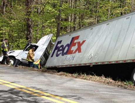 The World's Top 10 Most Disastrous Fedex Truck Crashes