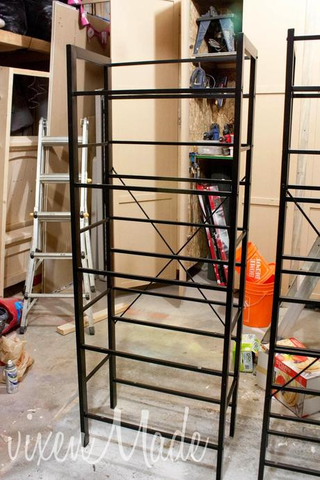 Diy gold etagere bookcase paperblog diy gold etagere bookcase solutioingenieria Image collections