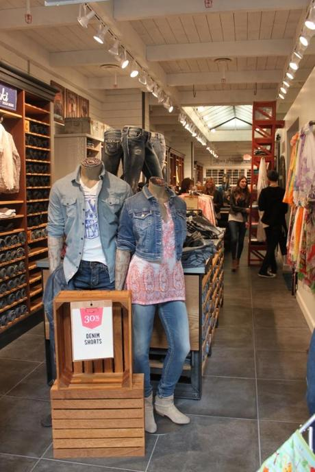 Silver Jeans: TV Appearance   Store Grand Opening at Woodfield ...