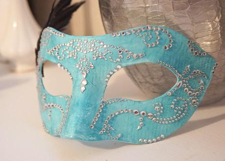 DIY Masquerade Mask - Paperblog on homemade top hat designs, homemade paper plate mask, homemade owl masks for halloween, homemade potato face mask,