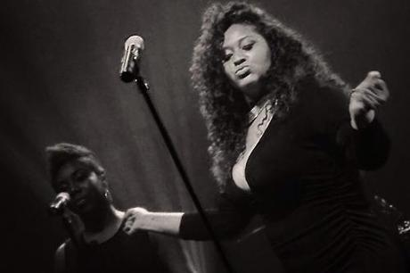 Jazmine Sullivan Performs A New Song