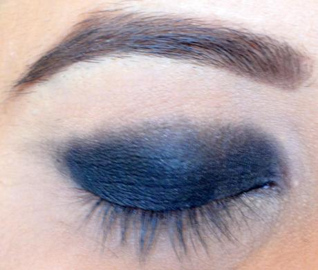 black smokey eye for indian skin tone