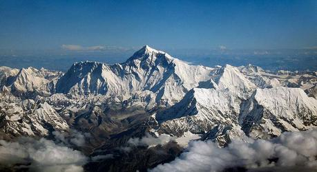 Everest 2014: Avalanche Near Camp 1, Numerous Sherpas Dead