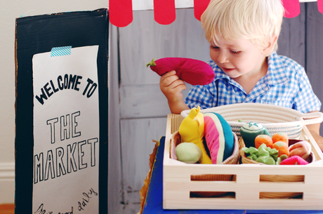 Make A Market From A Cardboard Box