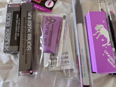 Mega Lippie Haul: Gong crazy on lippies [March & April]