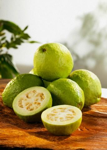 guava prevents halitosis