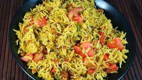 http://recipes.sandhira.com/tomato-rice.html