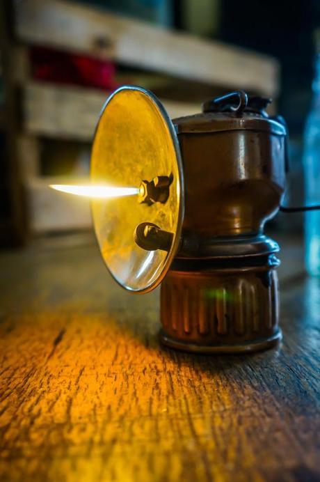 Acetylene miner's lamp