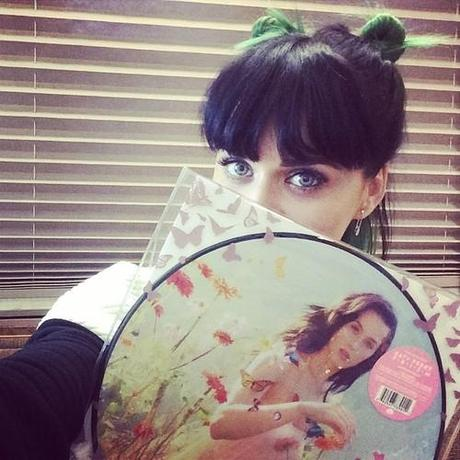 Preview Of Katy Perry 'Prism' Acoustic Version
