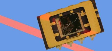 This new electronic device is simultaneously a LED and a solar cell