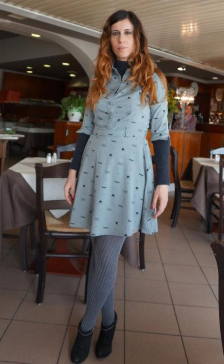 real mom street style, #streetstyle, #momstyle, #momtrends, fashion trends for moms, fashion trends 2014, mustache dress, mustache print dress, cute mustache print, spring trends