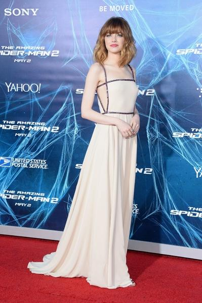 Look Of The Day: Emma Stone In Prada & Valentino