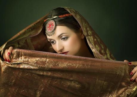 Sarees : Designs And Dressing Up For That Perfect Indian Wedding