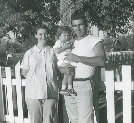 vintage family photos   vintage family photos going back