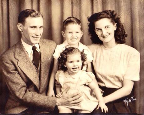 Save Family Photos This Vintage Family Portrait Reminds Me