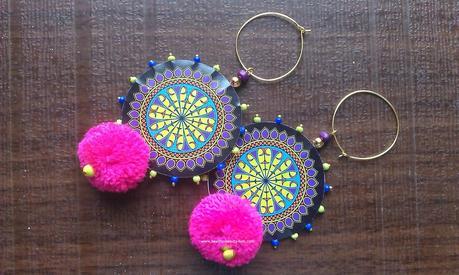 Accessories Love #15 - Pom-Poms from Girlthinks.com