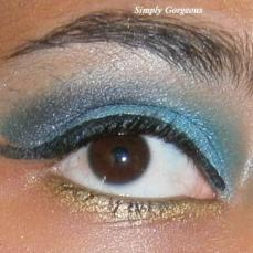 Face Of The Day: Midnight Blue + Green Glitter