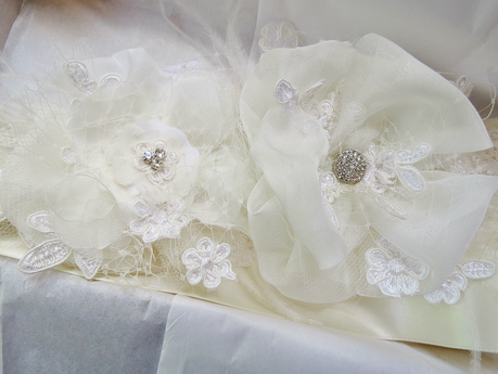 <Finished Custom Bridal Sash @FancieStrands @Etsy photo 3 alt=