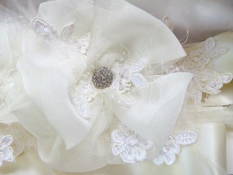 <Finished Custom Bridal Sash @FancieStrands @Etsy photo 1 alt=