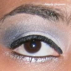 Face Of The Day: Dark Blue + White Glitter