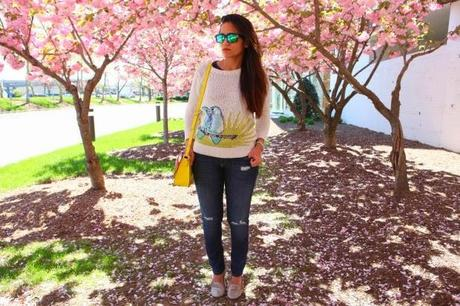 C.Wonder Sweater, GAP Jeans & Flats, Kate Spade Bag, Cherry Blossoms, Tanvii.com