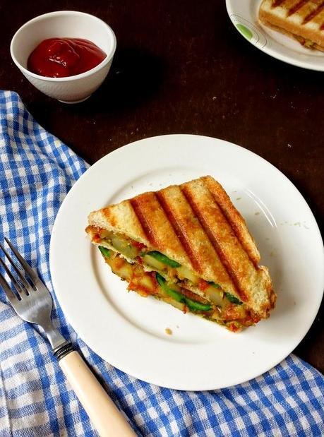 Grilled Potato Masala Sandwich /Mumbai Style