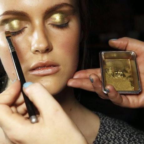 Makeup Inspiration: Metallic eyes, Bold lips
