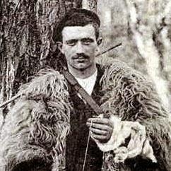 Sylvain Dornon : the Arcachon baker who stilt-walked from Paris to Moscow