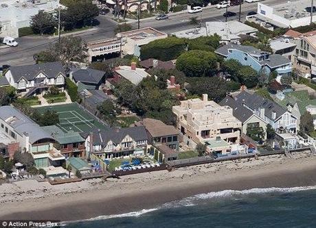 Leo's beachfront house in Malibu