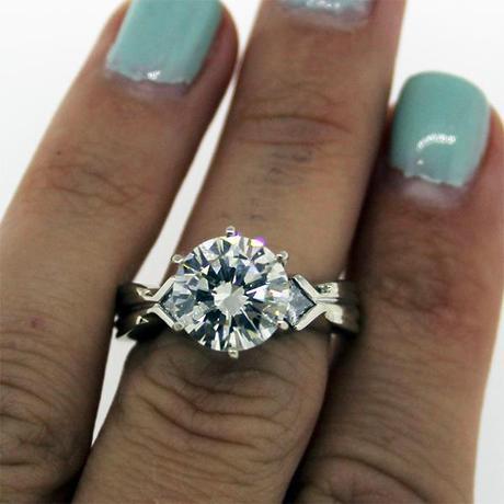 EGL 2.75ct round brilliant diamond engagement ring