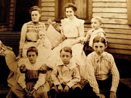 Three easy ways to make heirloom photographs last