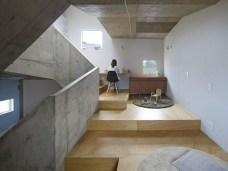 House In Nishiochiai by Suppose Design Office