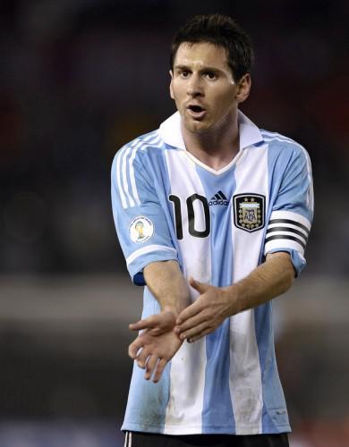 http://m5.paperblog.com/i/9/92024/lionel-messi-argentina-football-pictures-L-Jxo_tI.jpeg