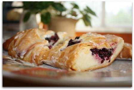 Munchie Mondays~Blackberry Danish