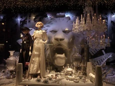 Crystals and snow by karl Lagerfeld for Printemps christmas.