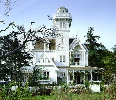 The enchanting victorian home in Practical Magic