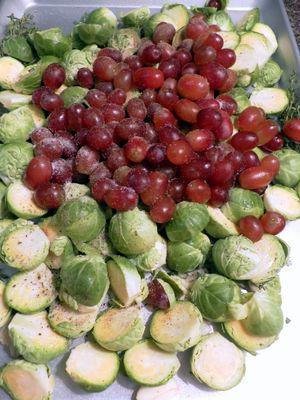 Roasted brusselsprouts & grapes - Add ingredients