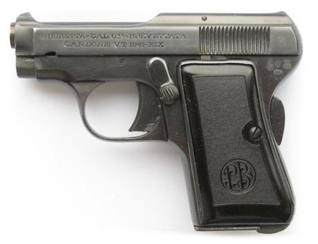 An unaltered Beretta 418. Bond carried a model with the grip panels removed (