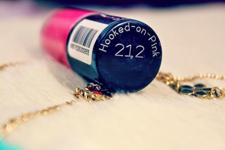 Maybelline New York | Color Show Nail Lacquer | 212 Hooked-On-Pink